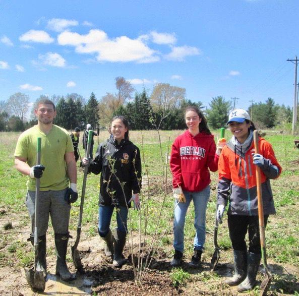 Oberlin Students at Preserve